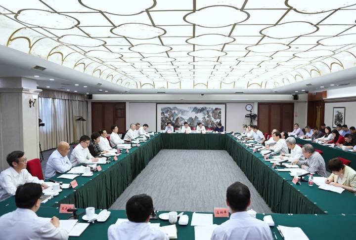 袁家军:全面动员 群策群力 有力有效推进共同富裕示范区建设