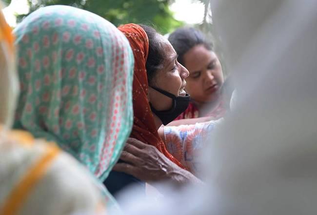 印度11人疑因假酒中毒死亡,警方已下令进行调查