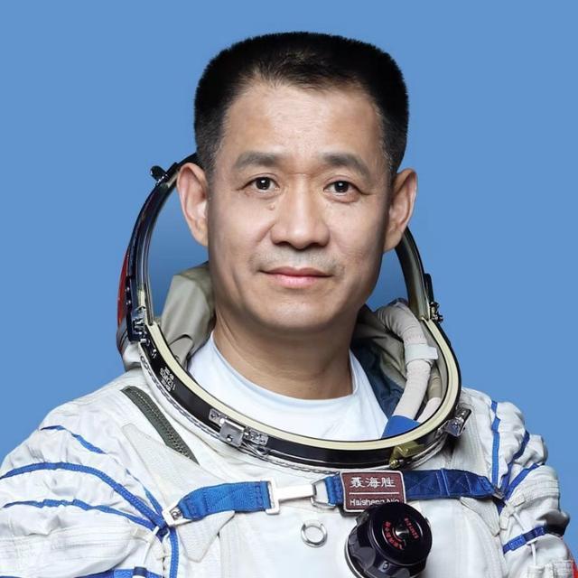 聂海胜成首位在轨百天的中国航天员!