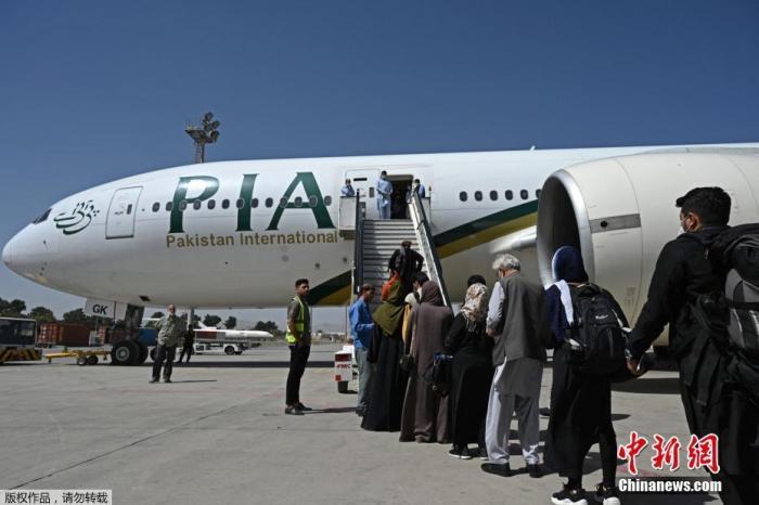阿富汗塔利班敦促国际航空公司恢复飞往喀布尔航班